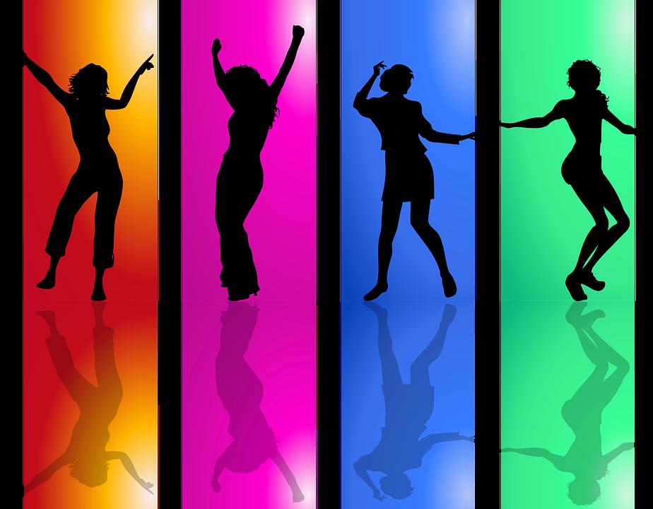 סטייליסטית לערב בנות: חוויה חד-פעמית